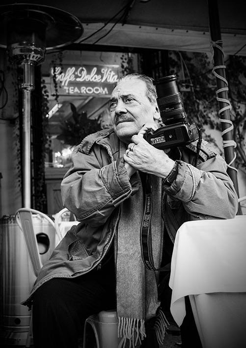 Rino Barillari, il Re dei Paparazzi, fotografo della Dolce Vita, in piazza Navona, dicembre 2018